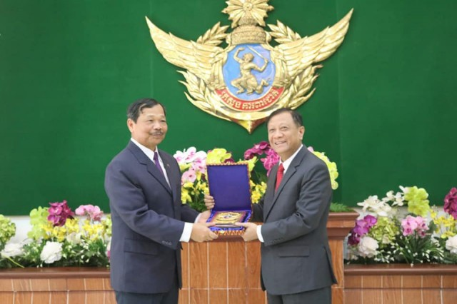 Philippine Defense Undersecretary Ricardo David and General Neang Phat, Secretary of State of the Ministry of National Defense of Cambodia on March 14, 2019 (photo courtersy of Gen Neang Phat)